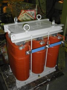 Трансформатор сухой трёхфазный с медными обмотками